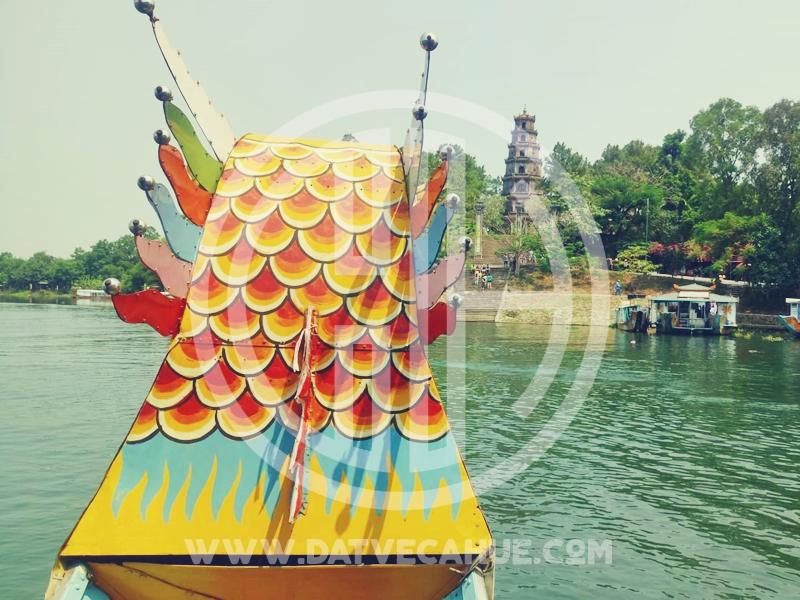 Chùa Thiên Mụ Huế bằng thuyền rồng