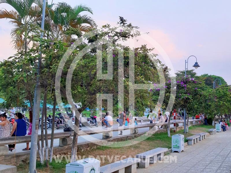 Bến đò sông Hương